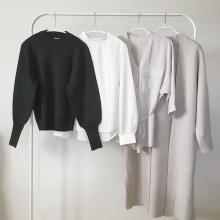 GU新作「パフスリーブセーター」は着回し力抜群の注目アイテム◎ふんわり袖が反則級のかわいさです♡