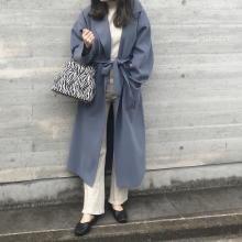 今から着られるfifthのガウンコートが大人っぽくておしゃれ♪着るだけで、ぱっと華やかな印象になれるブルーが◎