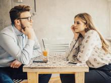 長すぎだよ…男性が「もうやめたい」と感じる女性との会話