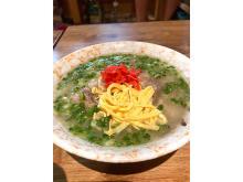 「天然出汁と沖縄そば生麺 琉球とろ肉そば」が沖縄県外でも味わえる!