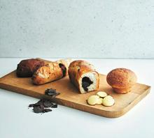 チョコ感、最強クラスかも♡3年待ちのパン店HIYORI BROT×MAISON CACAOの贅沢コラボパンが誕生!