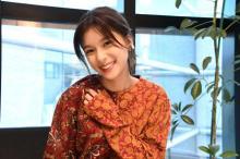 芳根京子、ヌーディ衣装で肌見せ「色気が増してる」「別人」「こんなお顔も隠し持ってたのネ」
