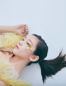 吉岡里帆、2年ぶり写真集が「総合」8位 清川あさみ氏プロデュースの元、大胆に美ボディ披露