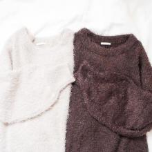 【GU】これで990円なんて信じられない!フェザーセーターのふわふわ感に病みつきになっちゃいそう…