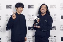 【MTV VMAJ】Creepy Nuts、最優秀ヒップホップビデオ賞 奇跡的な撮影回顧「本当に感動すると語彙飛ぶ」
