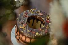 """gmgmからクリスマス限定商品""""お花のドーナツバウム""""が登場。おうちで『花カフェ』気分を味わって♡"""