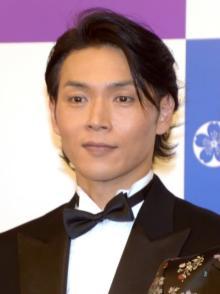 純烈・白川裕二郎、左肩腱板断裂で手術 来週復帰へ