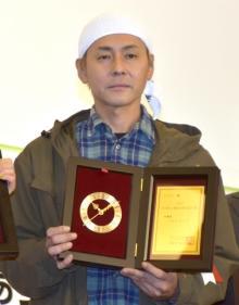 """ヒロシ、ソロキャンプで『流行語』受賞 17年前""""ヒロシです""""は受賞できず「なんで今さら」"""