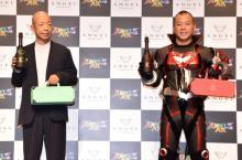 バイきんぐ西村、ヒーロー衣装にノリノリも… 相方・小峠「司令官くらいの年齢だろ」