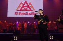 新生『AAA』イベントで佐藤健、神木隆之介ら熱唱 岸谷五朗「春馬が共に」