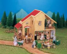 シルバニアファミリー35周年、一時衰亡の危機も「転機は赤い屋根の大きなお家」