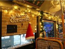 サンタが運転士に!? 佐賀市営バス「クリスマスデコレーションバス」運行中