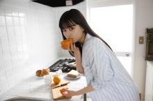 『ゼロワン』イズ役・鶴嶋乃愛、初のカレンダー発売 モーニングルーティン風やバスタブショットも
