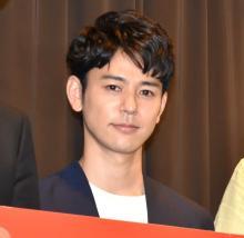 妻夫木聡、40歳誕生日に幼少期ショット公開「かわいい」 綾野剛ら俳優仲間から祝福相次ぐ