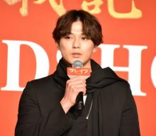 新田真剣佑、三浦春馬さんとの共演は「宝」 役者を目指すきっかけの存在