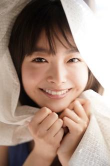 女優・五島百花「ヤンマガWeb」に4週連続登場 透明感あふれる素の表情「超はしゃぎながら撮影した」
