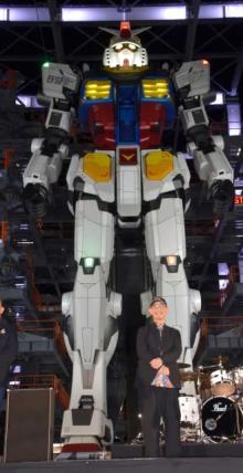 富野由悠季氏「本気で作るとは」実物大動くガンダムに感慨 50周年の動くザクに意気込み