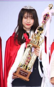 """""""日本一かわいいJK""""東京の高校3年生 元アイドルで夢は「世界のアイコン」"""