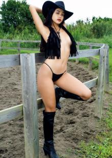 日本&ブラジルのMIX美女・Mayuri、唯一無二BODYで限界ギリギリグラビア