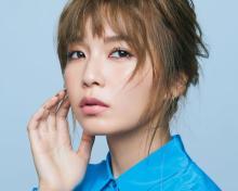 宇野実彩子、AAAや恋愛観について語るロングインタビュー 『VOCE』増刊版の表紙を飾る