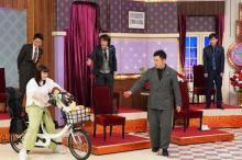 """菅野美穂、約10年ぶり『しゃべくり007』出演 """"マッドマックス""""な自転車の乗り方披露"""