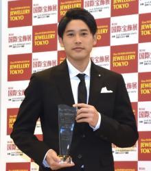 内田篤人氏、ジュエリー賞選出も家族は厳しい意見「ほかに賞に値する人がいる」