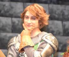小関裕太、新年1発目の舞台にやる気みなぎる「大爆笑取れるように」