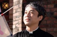ムロツヨシ、役者人生25年で初映画主演 最愛の娘のために動く牧師役