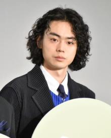 菅田将暉、綾野剛の宣伝に感謝「『ヤクザと家族』も見てね!」