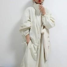 【ユニクロユー】新作の春コートに一目惚れ。軽やかな「ナイロンフーデットコート」はもうチェックした?