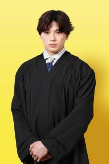 新田真剣佑、月9初出演で裁判所書記官役 竹野内豊と初共演「とても楽しくやらせていただいています」