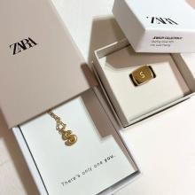 ZARAの「イニシャルリング」見逃してない?ネックレスに続きリングも絶妙な高級感で売り切れ続出中です
