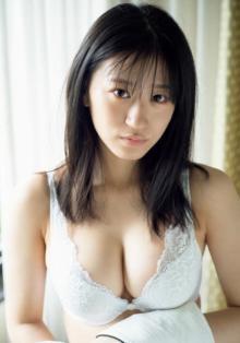 """""""グラビアスター""""NMB48上西怜、1st写真集の完全未公開カット解禁"""