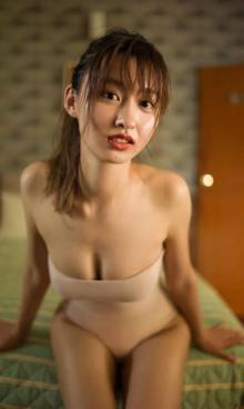 「美少女図鑑」4冠クイーン・佐藤夕璃、デジタル写真集が一般電子書店で配信開始