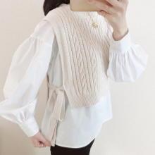 【GU】春コーデの救世主現る。「ケーブルサイドリボンベスト」は着るだけで瞬時にサマになるから絶対買い