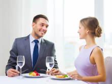 意識させる!2人きりの「食事」で男性をドキッとさせるテク