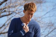 """竹内涼真が傷つきながらも闘う姿にキュン 『キミセカ』""""守ってあげたい男子動画""""解禁"""
