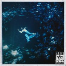 森山未來、水中を舞う King Gnu新曲「泡」MVで圧巻の表現力