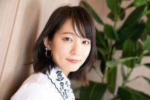 吉岡里帆、タイトなニットで美ボディラインあらわ「天使降臨」「スタイル素晴らしい」