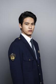 岡田健史、短期間で3度目の刑事役「新しい役より難しい」 玉木宏『桜の塔』出演