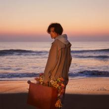 藤井風、故郷・岡山や母校で撮影「旅路」MVに込めた想い「僕らはみんな同じ旅路を歩む仲間」