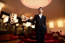 AKIRA、日本初上陸ホテルに期待「メンバーと一緒にドリンクや音楽を楽しみたい」
