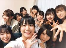日向坂46、ライブ後もハイテンション! 熱気あふれる楽屋公開【『日向撮』先行カット】