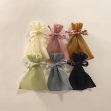 ラティスの新作「巾着ポーチ」が今回もかわいすぎ!今季トレンドのシアー素材だから、この春大活躍の予感