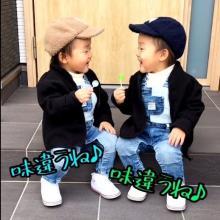 """「味違うね」なんでも""""半分こ""""してきた2歳の双子が仲良くキャンディを分け合う姿に280万再生"""