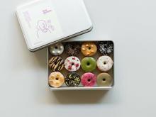 「koe donuts」のオンラインストアがオープン。人気のクッキー缶×グッズが全国からお取り寄せできるように