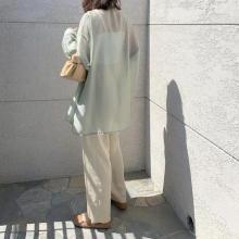 【今週なに着る?】20度以上になる日も。羽織りにもレイヤードにも使えるシアーシャツはグリーンを選んで