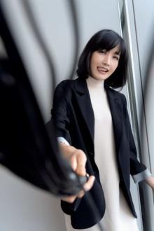 """佐藤江梨子、""""SM女王様""""姿を披露 ボンテージスーツを着るため""""マル秘マッサージ"""""""