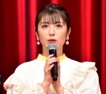 """浜辺美波、名前の由来""""浅倉南""""役・日高のり子との対面に感動「母が喜んでいると思います!」"""