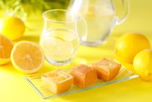 レモンの爽やかさがこれからの季節にぴったり。資生堂パーラーの濃厚な「夏のチーズケーキ」が気になる